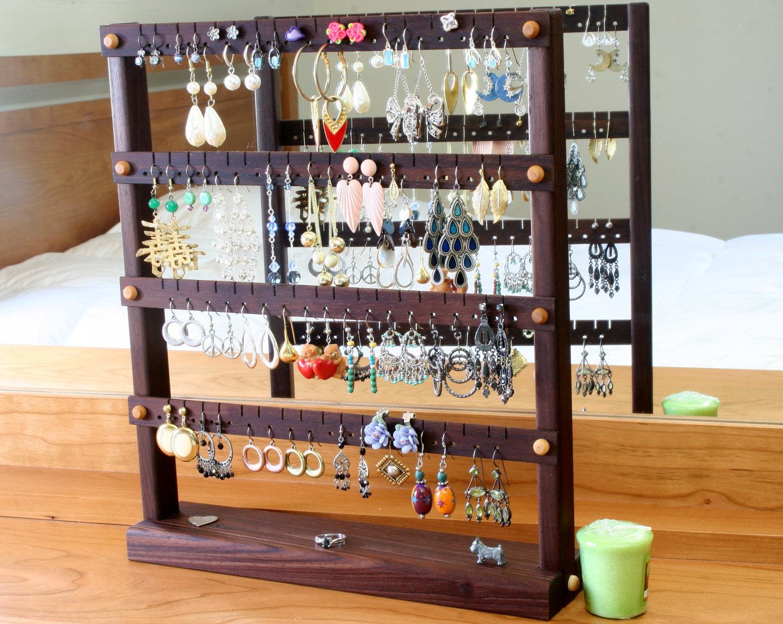 Trade Jewellery Stands : Maneras distintas de organizar tus accesorios la comuna pink