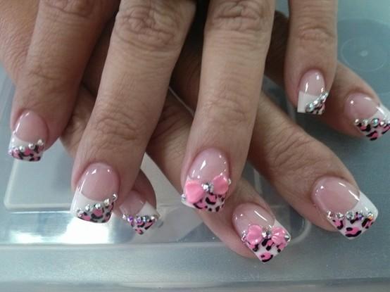 Diseño De Uñas La Comuna Pink