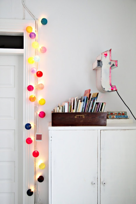 string-lights-ideas-for-your-home-decor-19