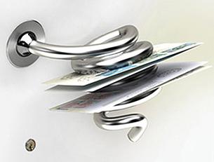 Esta perilla también sirve para colocar correspondencia y otros documentos. Es una buena opción para personas que comparten vivienda.