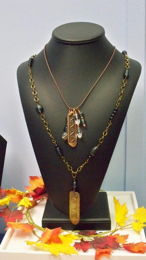 Floor+design+necklaces