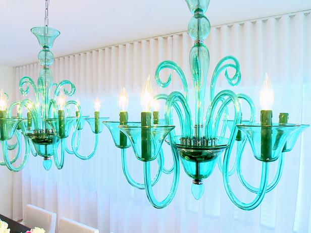 HCLRS1008_Dining-Room-Green-Chandelier_s4x3_lg