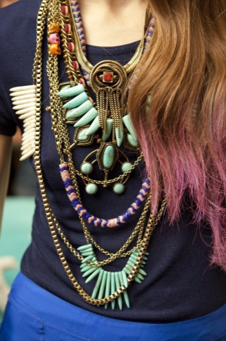 layered-necklace-look