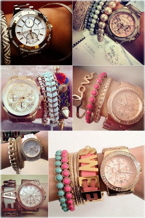 Ahora, si lo tuyo es llamar la atención con tu estilo y hacerte notar, selecciona diversos brazaletes con tonos y texturas diferentes para complementar tu reloj. Mientras más contraste, mejor luce el efecto.