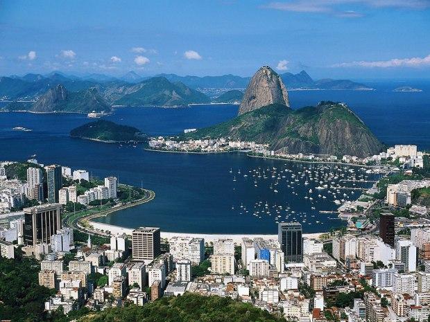 corcova3do_overlooking_rio_de_janeiro_brazil