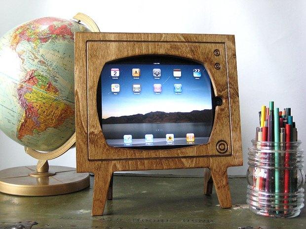 Si ves televisión en tu iPad, este marco para la sala o la habitación es ideal para crear el efecto.
