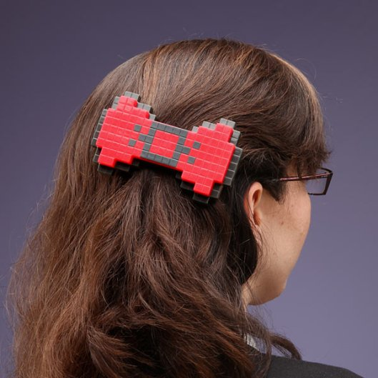 e731_8-bit_hairbow_inuse